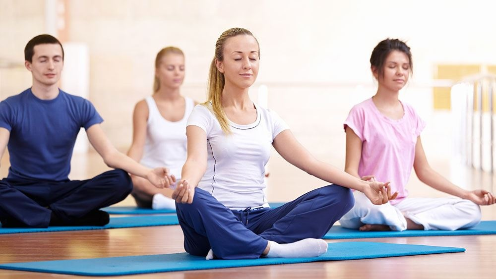 Tập luyện Yoga.