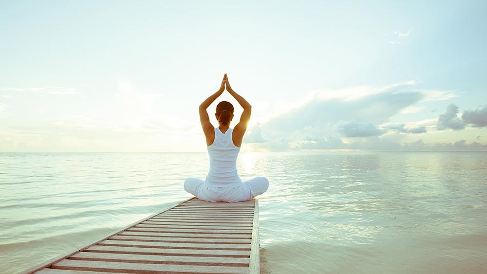 Tập Yoga nâng cao sức khoẻ.
