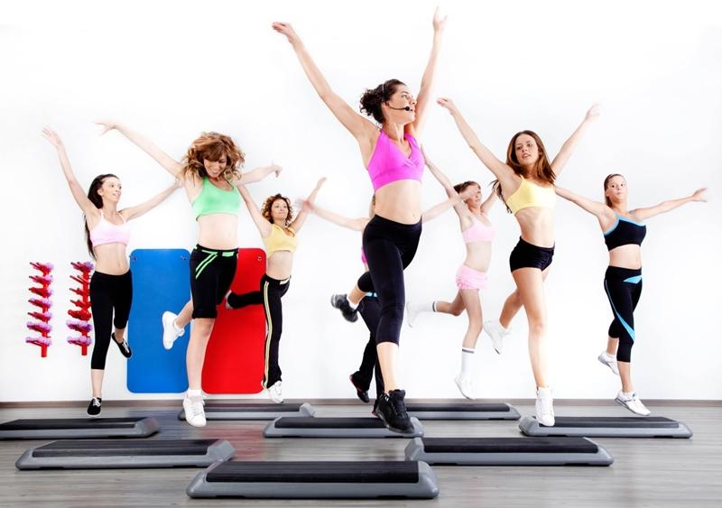 Nhiều phụ nữ lựa chọn Aerobics để rèn luyện sức khoẻ, giữ dáng.