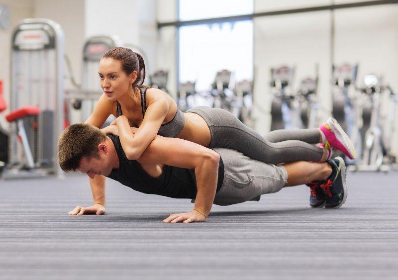 Tập Pilates đôi.