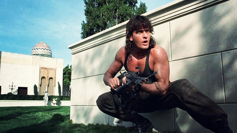 Chàng sĩ quan Topper khi đang yên bình sống tại một tu viện thì bị CIA mời về hợp tác trong phim ''Hot Shots! Part Deux''