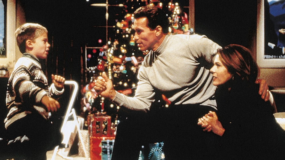 Howard là một doanh nhân thành đạt nhưng lại không có nhiều thời gian cho gia đình trong phim ''Jingle All the Way''