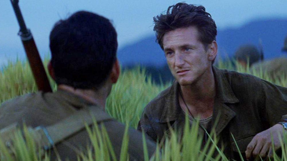 Hình ảnh một người lính mắc kẹt giữa cuộc chiến thảm khốc.