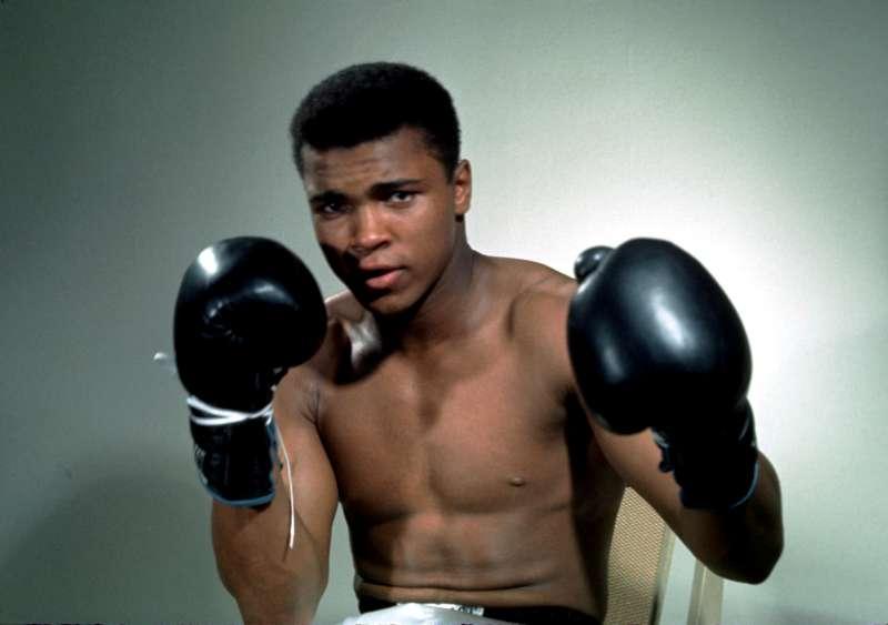 Huyền thoại quyền anh thế giới Muhammad Ali.