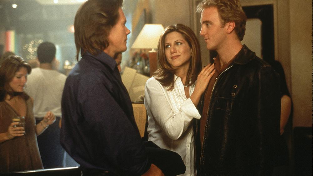 Mọi chuyện bắt đầu rối tung khi anh chàng trong mộng của Kate cũng bắt đầu chú ý đến cô.