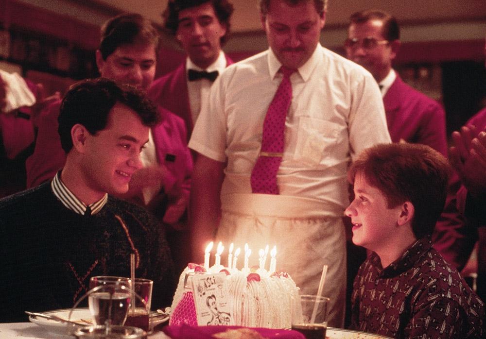Tom Hanks vào vai Josh - cậu bé lớn phổng chỉ sau một đêm.