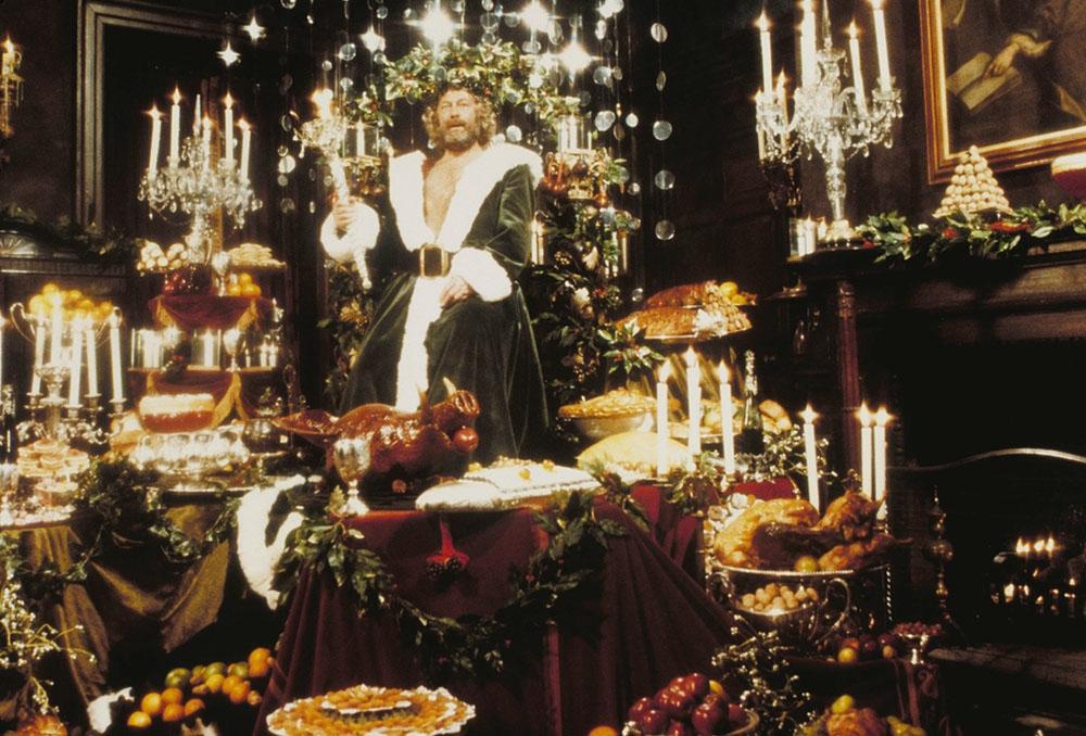 Edward Woodward trong vai hồn ma Giáng sinh năm nay.