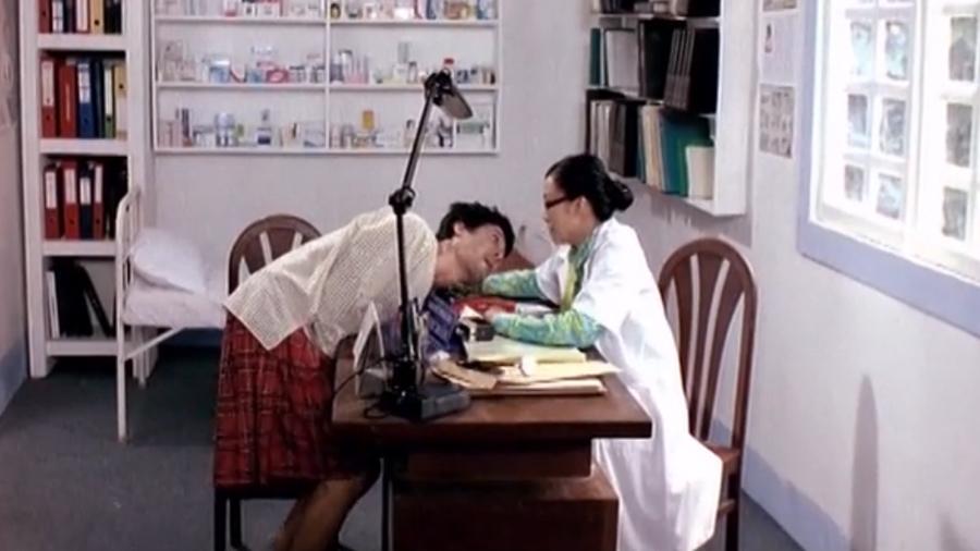 Một phân cảnh khôi hài khi Sang hàng thịt sống trong lốt ''trai đẹp'' Trương Ba.