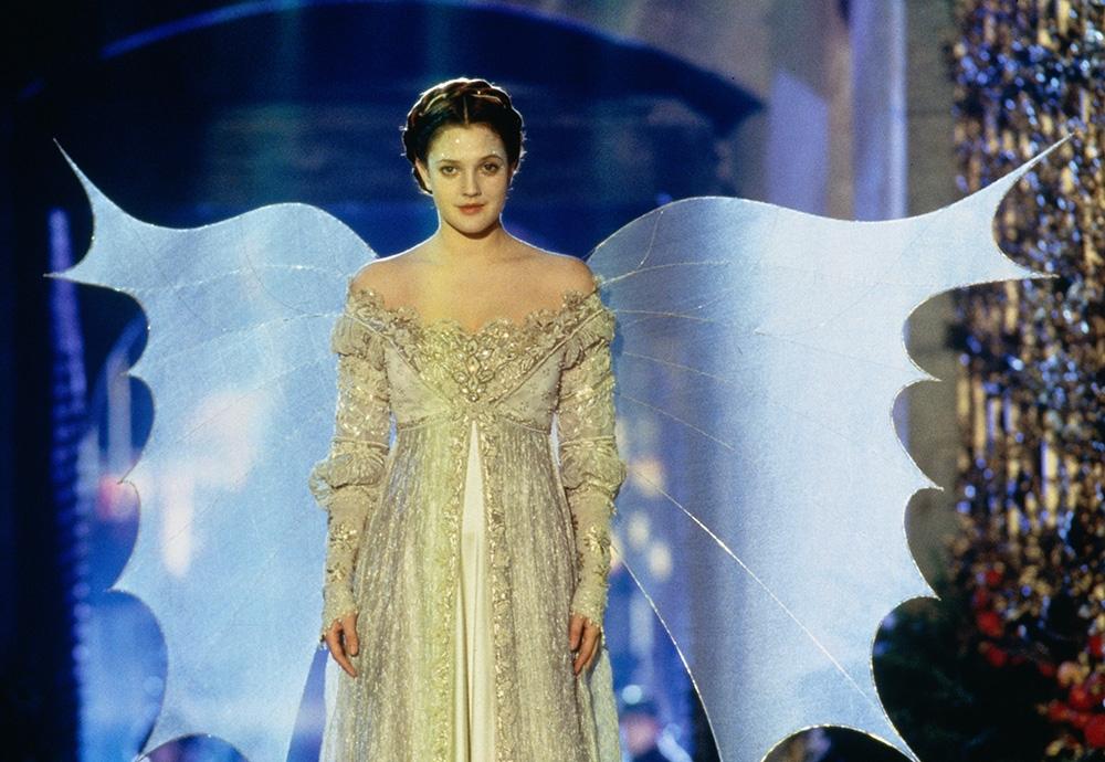 Drew Barrymore trong vai nàng Lọ Lem xinh đẹp.