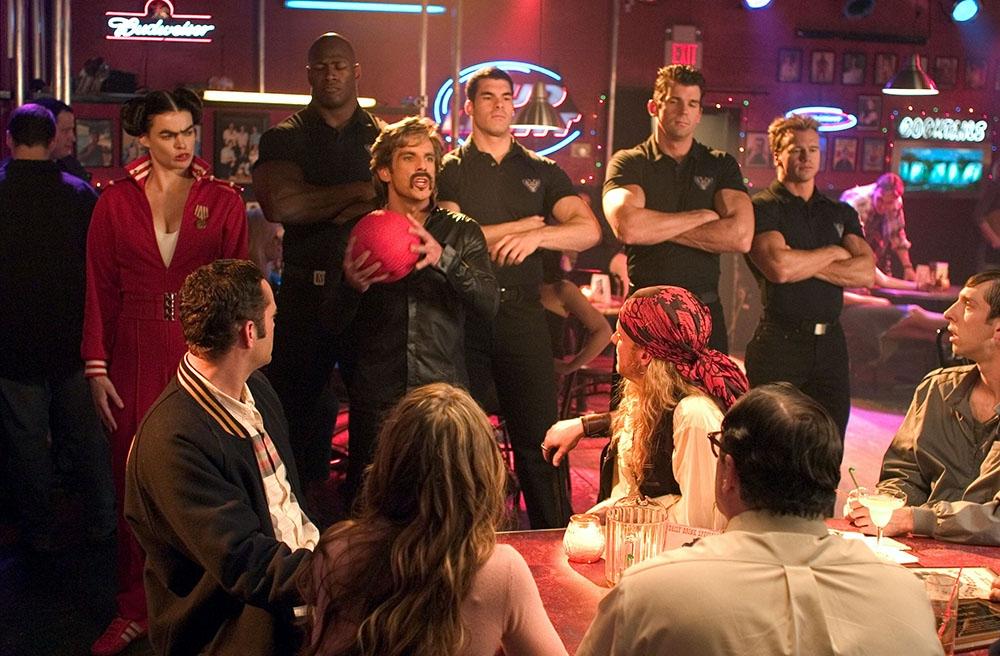 Một cảnh trong phim ''Dodgeball: A True Underdog Story''.