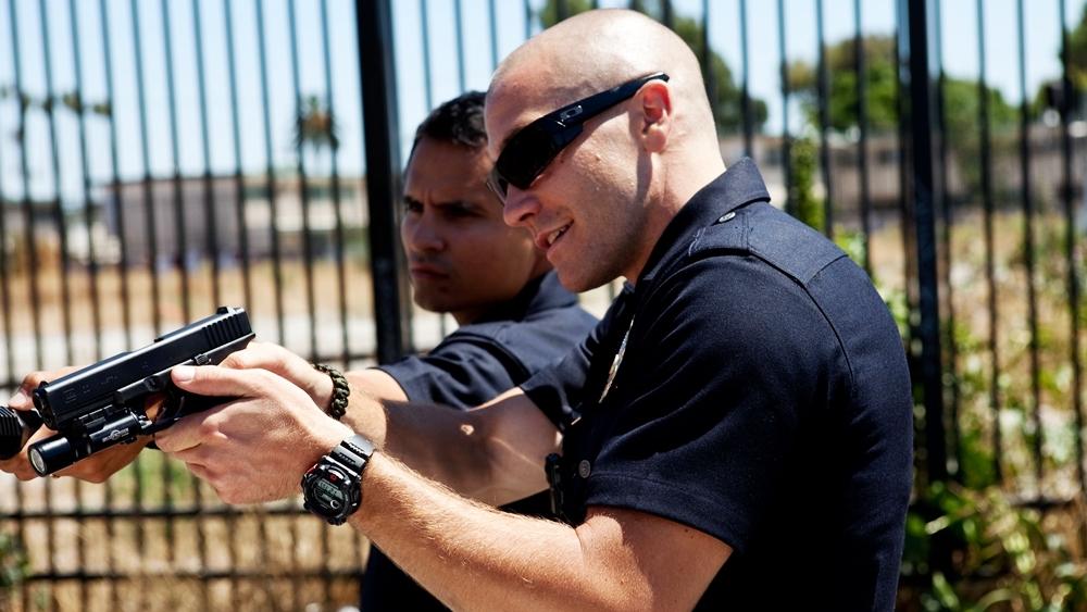 Brian và Zavala làhai sĩ quan cảnh sát Los Angeles với nhiệm vụ bảo vệ an ninh cho người dân quanh khu vực trong phim ''End Of Watch''