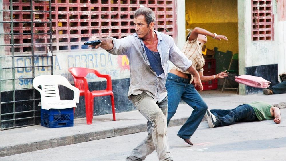 Ông bị nhà chức trách Mexico bắt và giam giữ trong một nhà tù khắc nghiệt - lãnh địa của tên trùm khủng bố Javi.