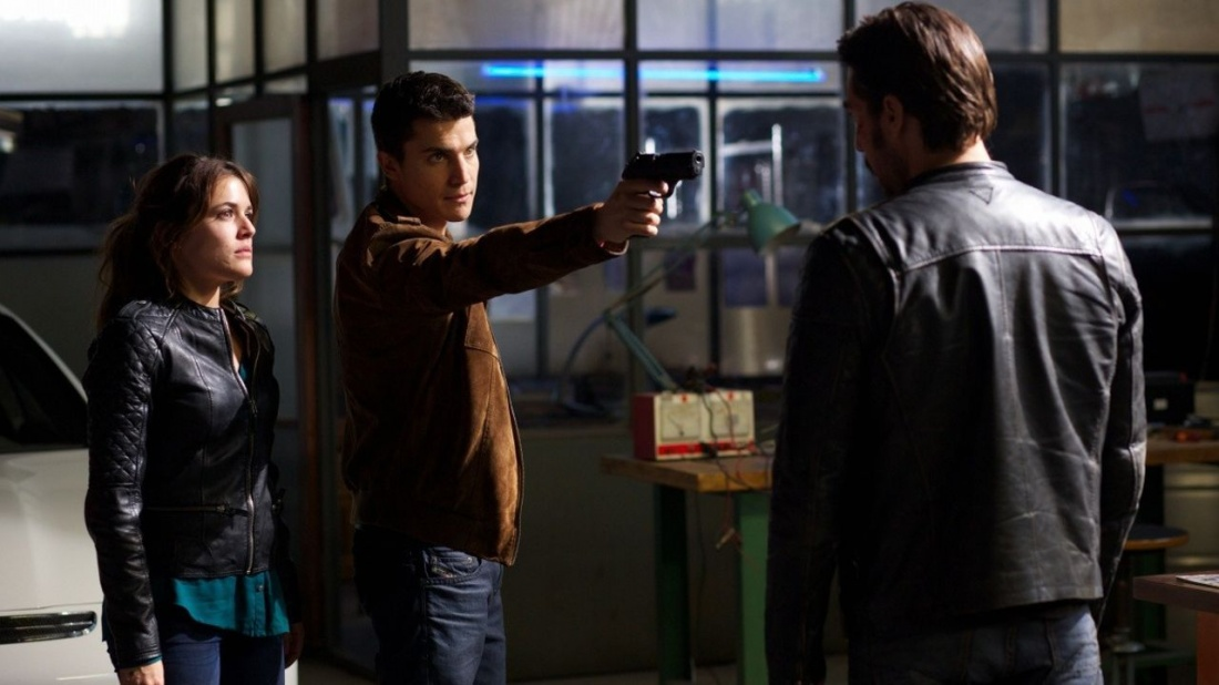Ba nhân vật Ari, Mikel và Navas.