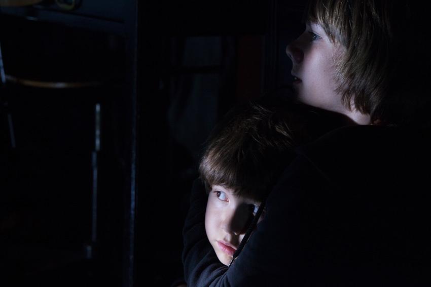 Hai diễn viên nhí trong phim là Dakota Goyo và Kadan Rockett.