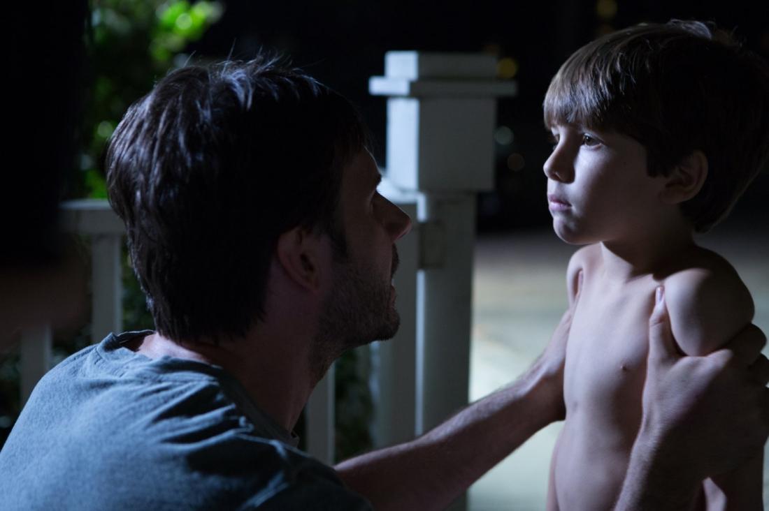 Đứa con út Sam của nhà Barrnett là một đứa trẻ ưa khám phá trong khi người anh Jesse lại là một cậu thiếu niên mới lớn điển hình với những tò mò về giới tính và tính cách khó đoán.
