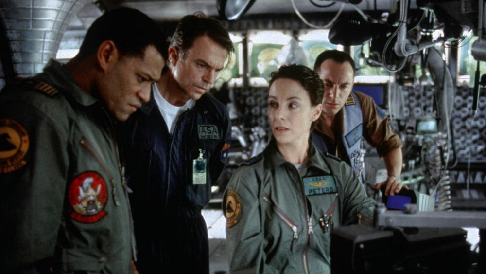 Phi hành đoàn trên con tàu ''Lewis And Clark'' được giao nhiệm vụ tìm kiếm con tàu đã mất tích trong vũ trụ cách đây 7 năm - ''Event Horizon''.