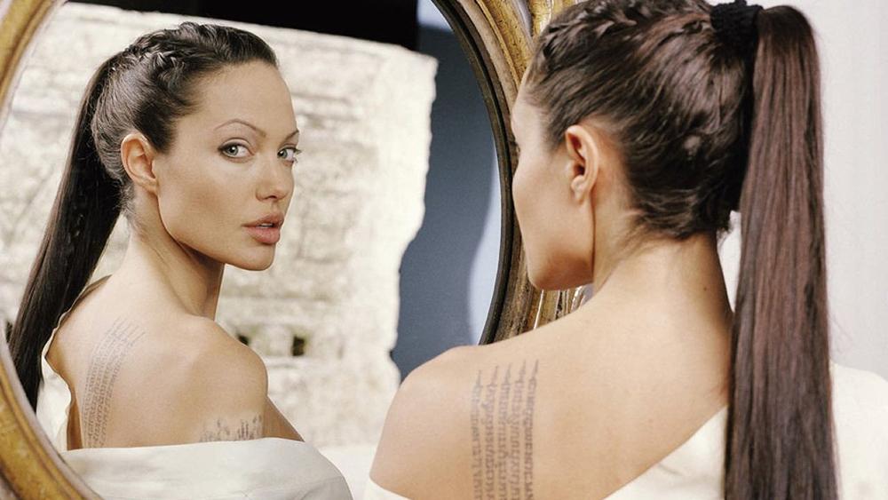Một phân cảnh khác trong phim ''Lara Croft Tomb Raider: The Cradle Of Life''