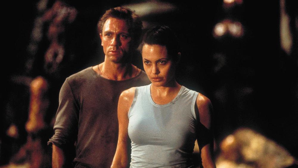 Nhiệm vụ lần này của Lara là giành lại báu vật Tam Giác Ánh Sáng nhằm ngăn chặn âm mưu điên rồ của bọn xấu.