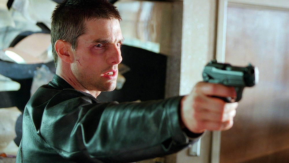 Bỗng một ngày, John được thông báo rằng mình chính là kẻ giết người tiếp theo và nạn nhân là một người anh không hề quen biết.