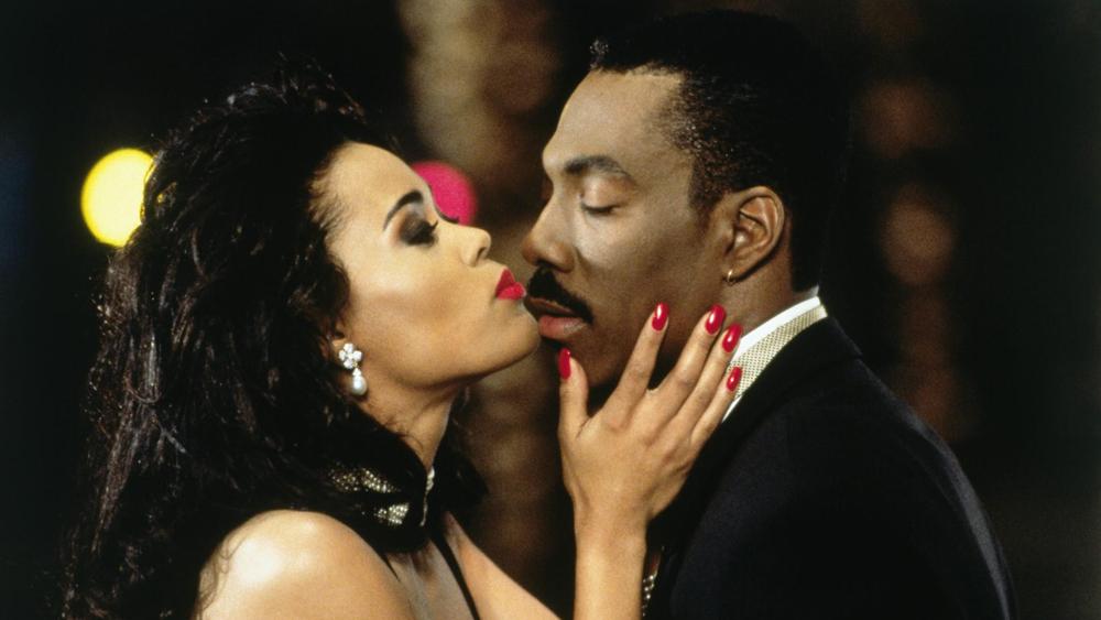 Marcus Graham là một anh chàng đào hoa nhưng lại bị chính cô sếp mới Jacqueline xỏ mũi trong phim ''Boomerang''
