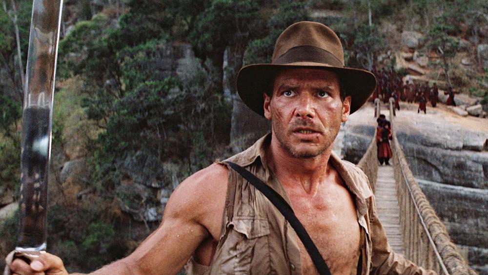Với tính hiếu kỳ, Indy đã nhận lời đề nghị tìm lại hòn đá Sankara của dân làng và cuộc hành trình mới lại bắt đầu...