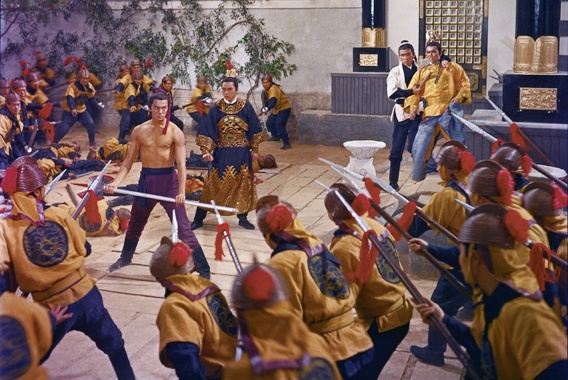 Bào Đình Thiên và Biên Phúc đã nhiều phen vào sinh ra tử, đối mặt với quân lính nhà Kim để cứu Khang Vương hoàng tử.