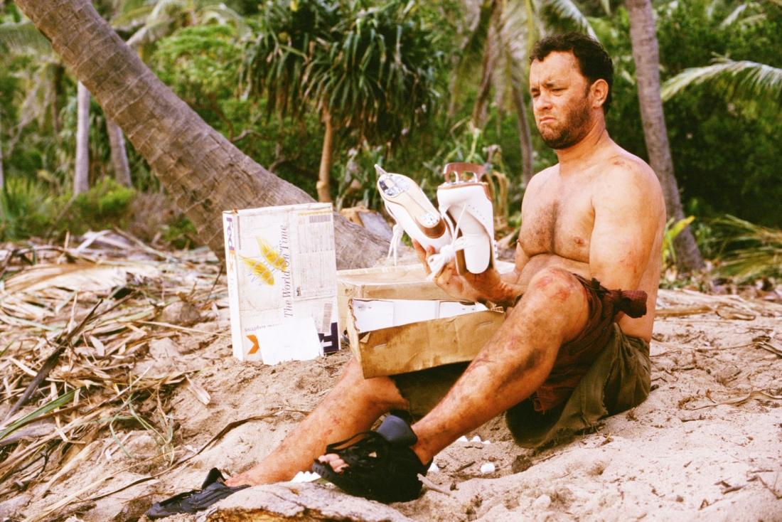 Thoát chết sau tai nạn máy bay, Chuck lưu lạc đến một hoang đảo.