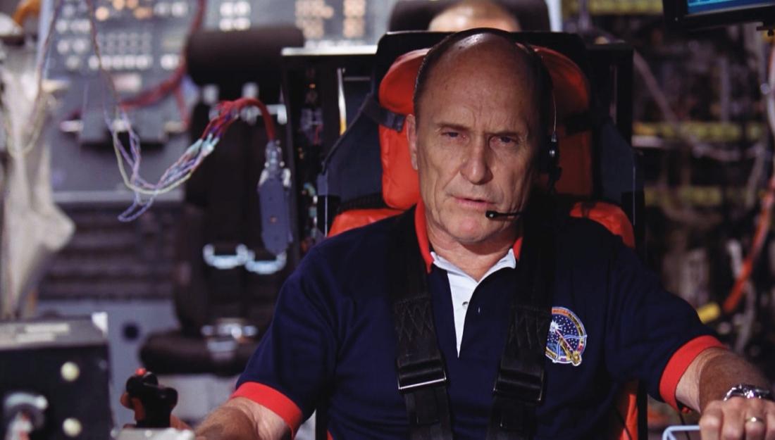Thuyền trưởng Tanner và đồng đội đã quyết định lao tàu Messiah vào thiên thạch còn lại để phá hủy nó.