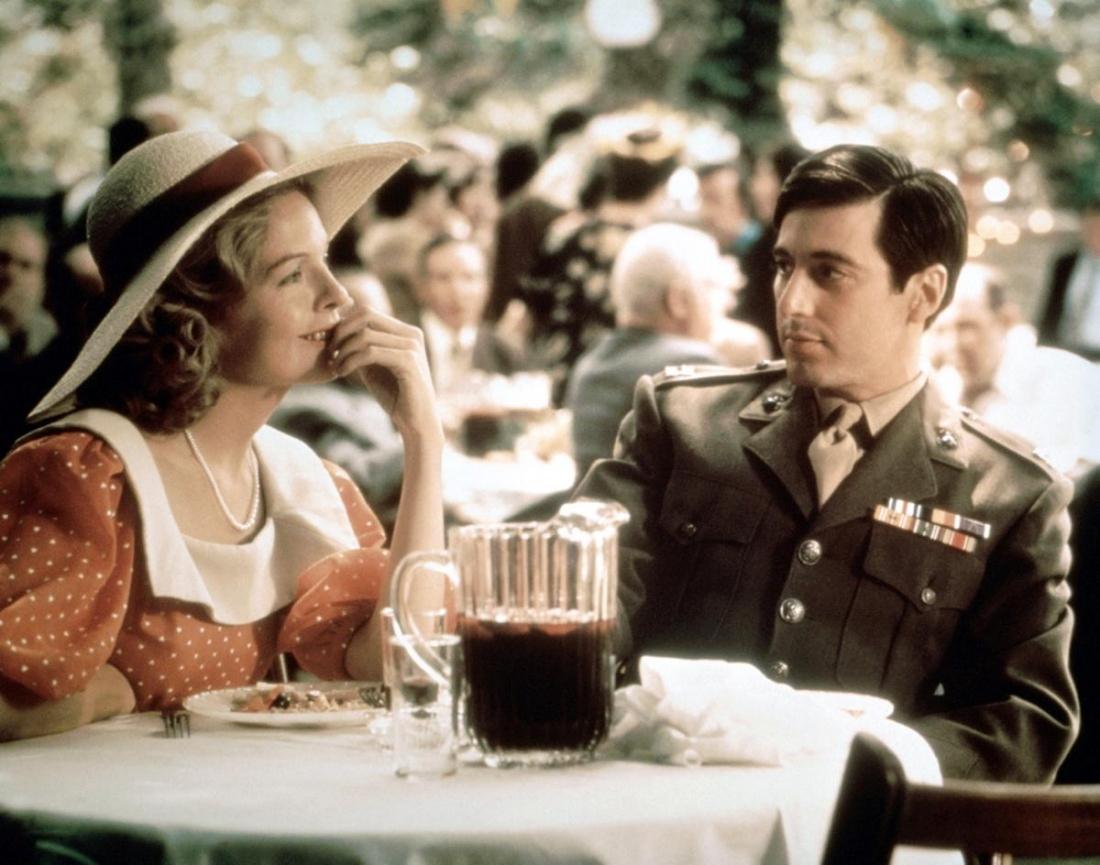 Tuy nhiên, con trai út của ông - Michael sau khi trở về từ Thế chiến II quyết định không tham gia bất cứ phi vụ gì của gia đình.