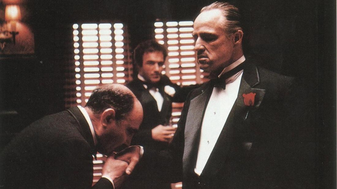 Vito Corleone là ông trùm khét tiếng nhất tại Mỹ lúc bấy giờ.