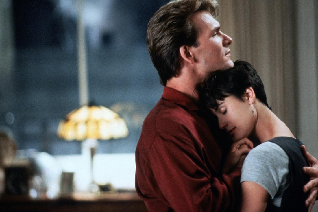 Sam và Molly là đôi tình nhân chìm đắm trong men say tình yêu.