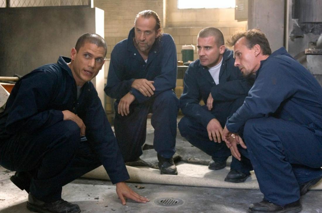 Michael cùng các bạn tù liên tiếp tìm mọi cách để vượt ngục.