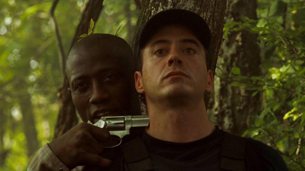 Đặc vụ an ninh John Royce được giao nhiệm vụ hỗ trợ ông bắt Sheridan nhưng lại vô tình bị đe dọa tính mạng trong một lần vây bắt.
