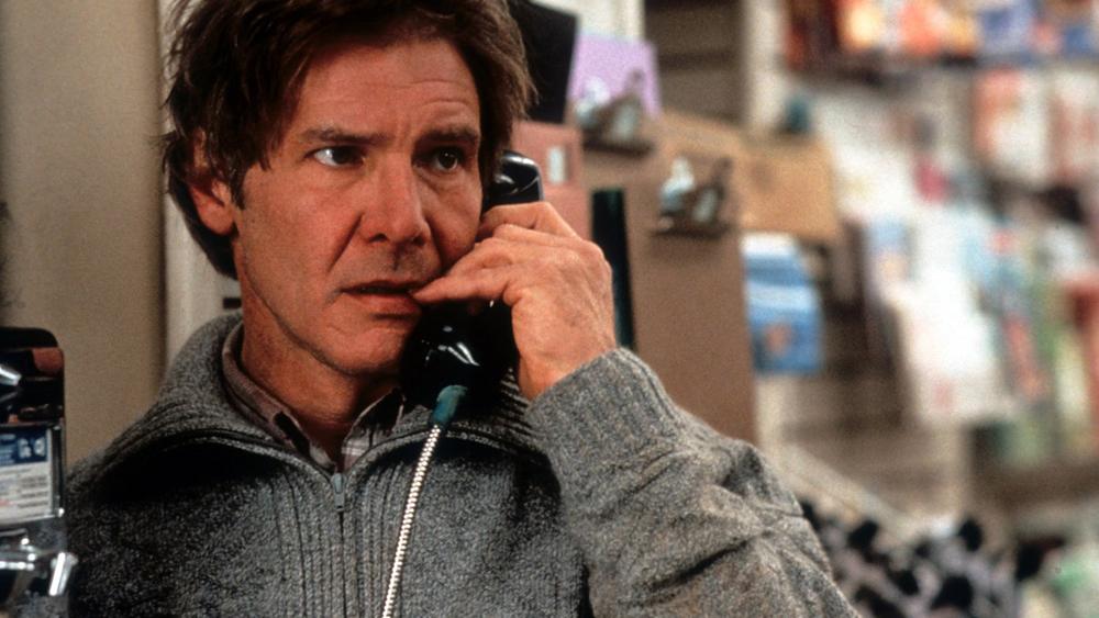 ''The Fugitive'' là bộ phim về hành trình điều tra cái chết bí ẩn của vợ và tự minh oan cho mình của bác sĩ phẫu thuật tim Richard Kimble.