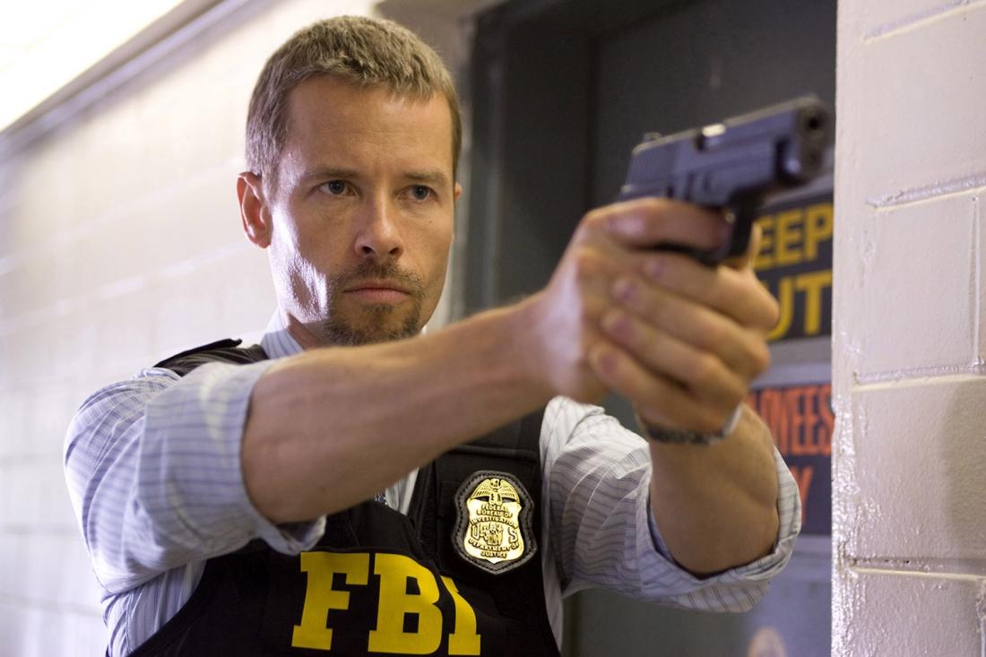 Khi đặc vụ FBI Roy Clayton mở cuộc điều tra về một âm mưu nguy hiểm ở tầm quốc tế, mọi đầu mối mà anh khám phá được đều dẫn đến cựu sĩ quan lực lượng đặc biệt Hoa Kỳ Samir Horn.
