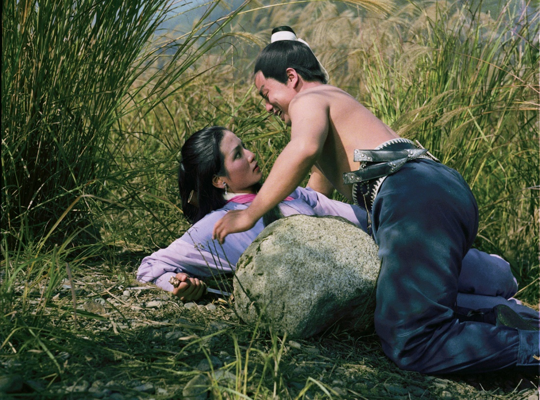 Thấy cảnh ngang tai trái mắt khi con trai của Tiêu Lôi hãm hiếp một cô gái, Vu Anh đã giết hắn.