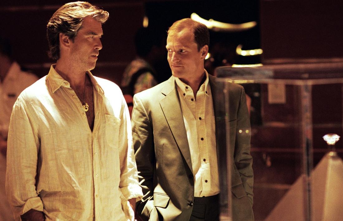 Max Burdett và mật vụ FBI Stan Lloyd.