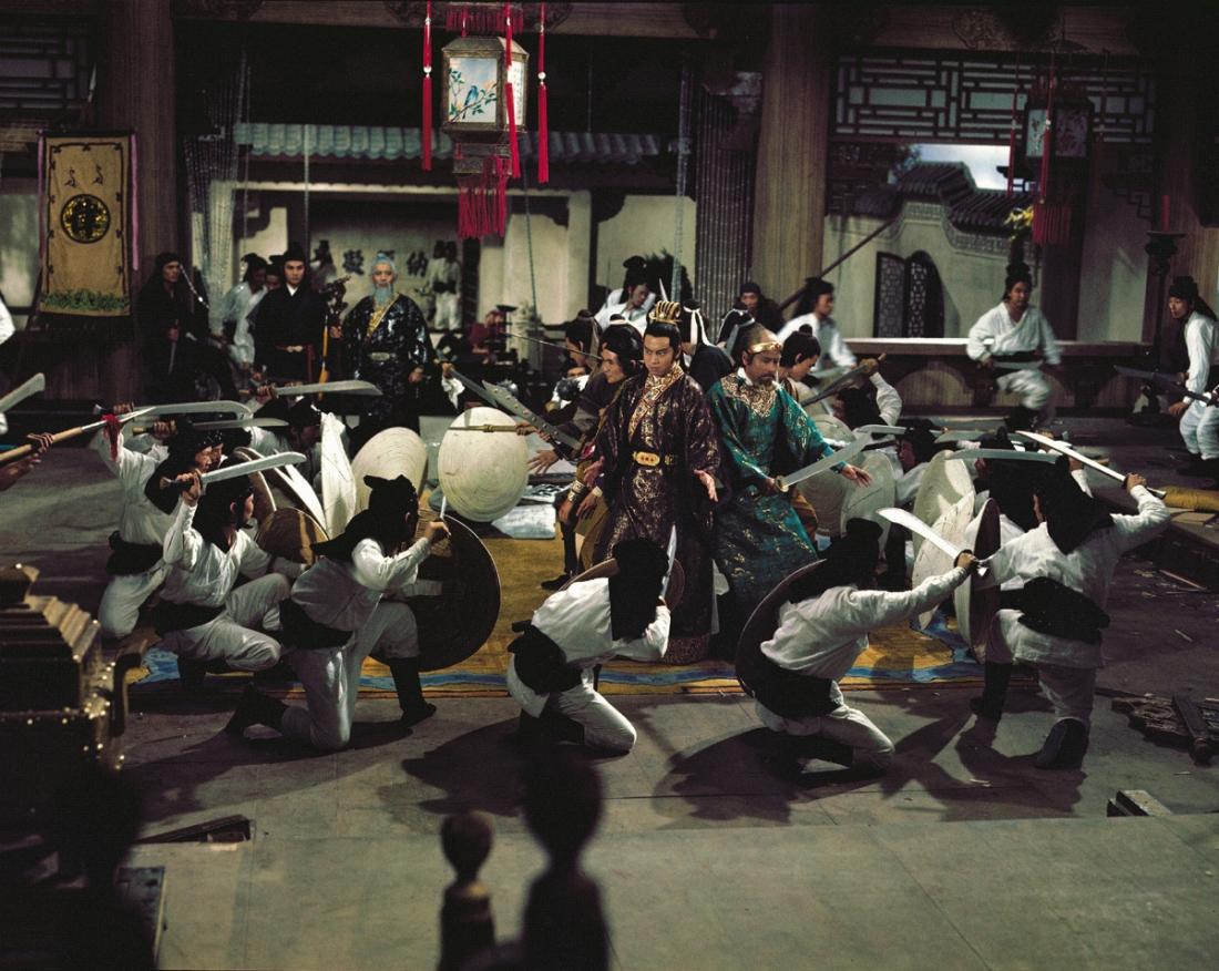 Một cảnh trong phim ''Killer Clans''.