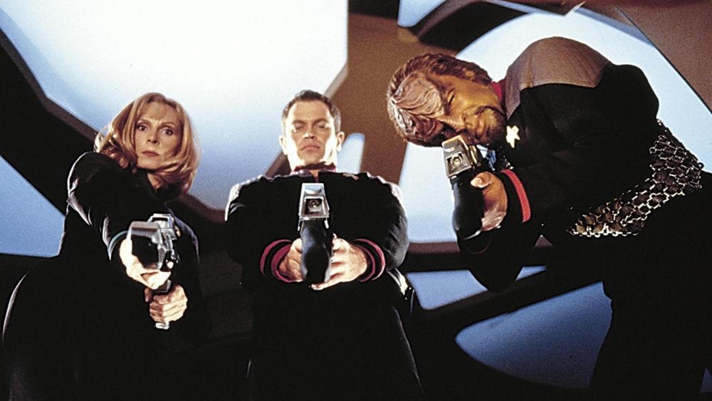 Một phân cảnh khác trong phim ''Star Trek: First Contact''