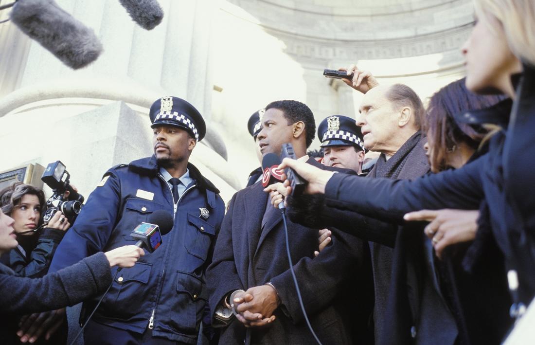 Vừa cảm động vừa kịch tính, bộ phim ''John Q'' của tài tử da màu Denzel Washington đã đưa người xem qua nhiều cung bậc cảm xúc tình phụ tử.