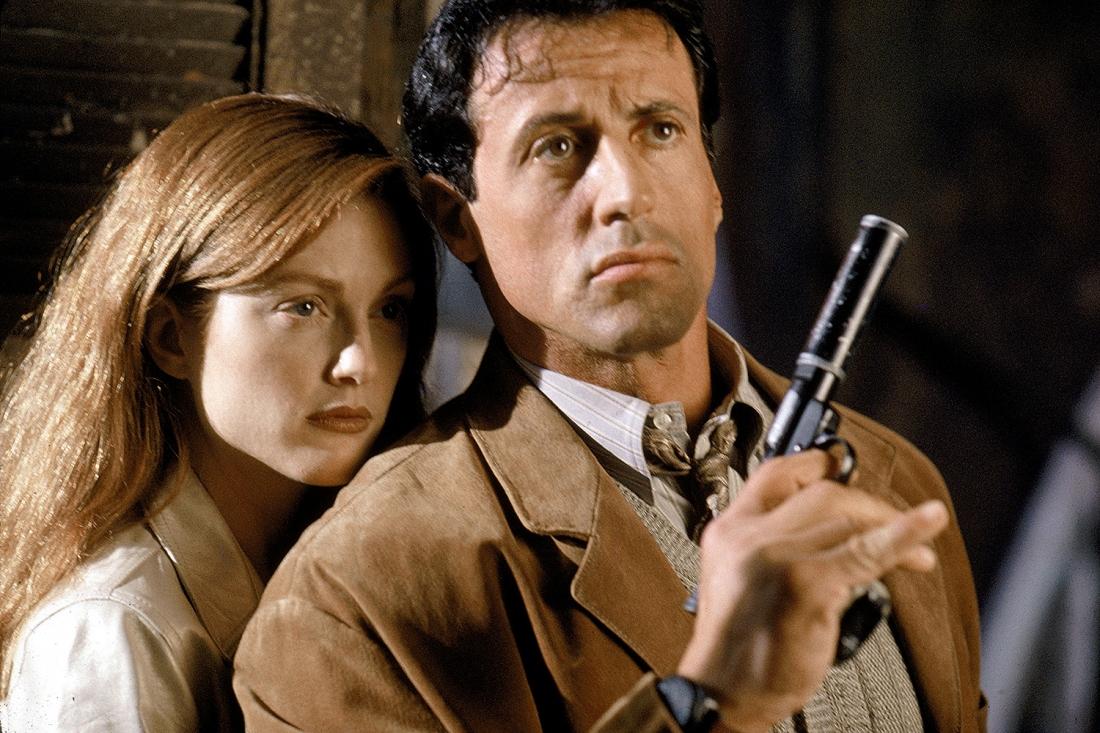 Robert Rath và nữ hacker Electra.