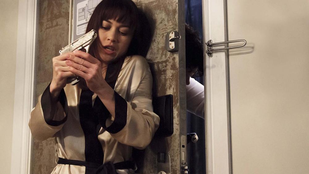 Nhân vật Alex bị đẩy vào vòng nguy hiẻm trong ''Momentum''