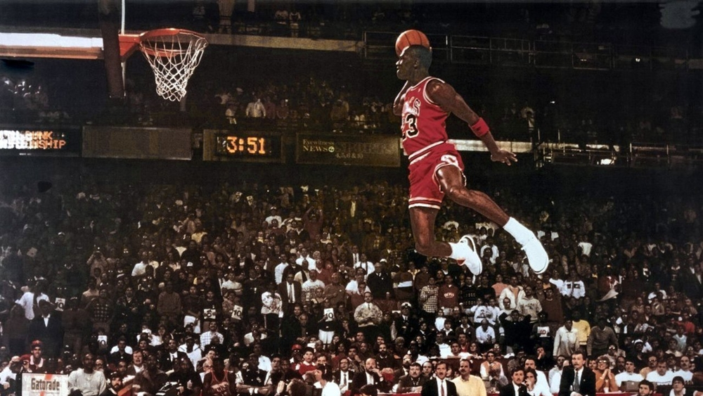 Jordan với pha lên bóng huyền thoại.