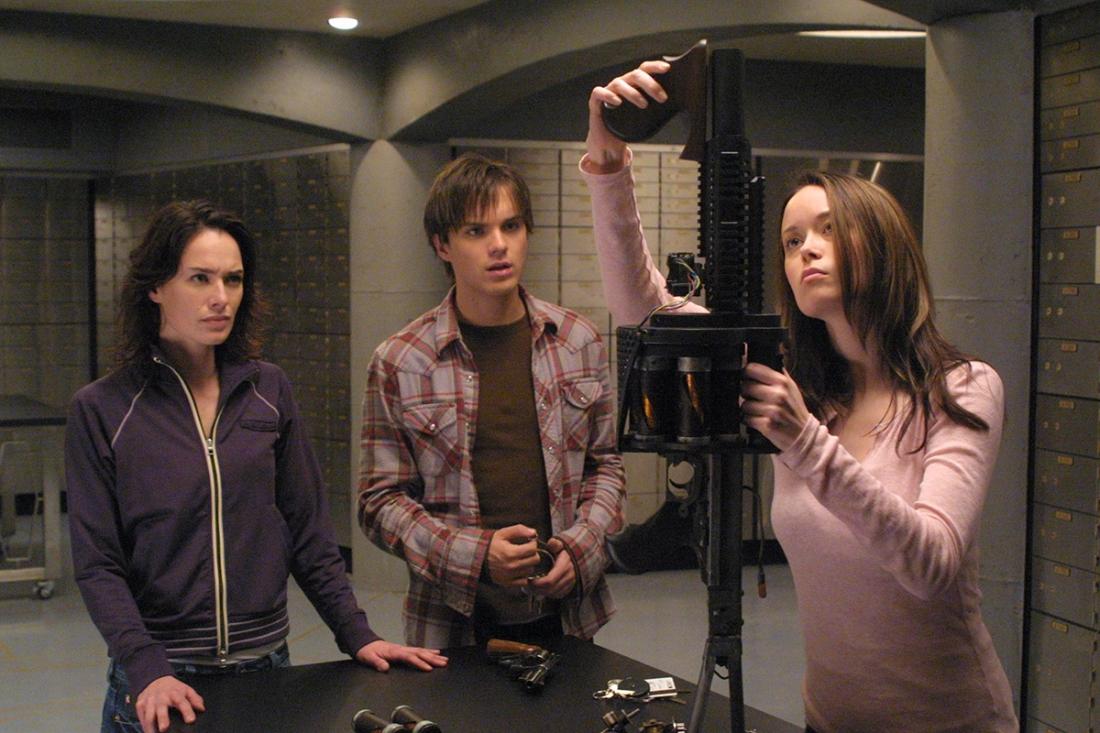 Phim lấy bối cảnh sau sự kiện trong ''Terminator 2'', tập trung vào cuộc chạy trốn của hai mẹ con nhà Connor.