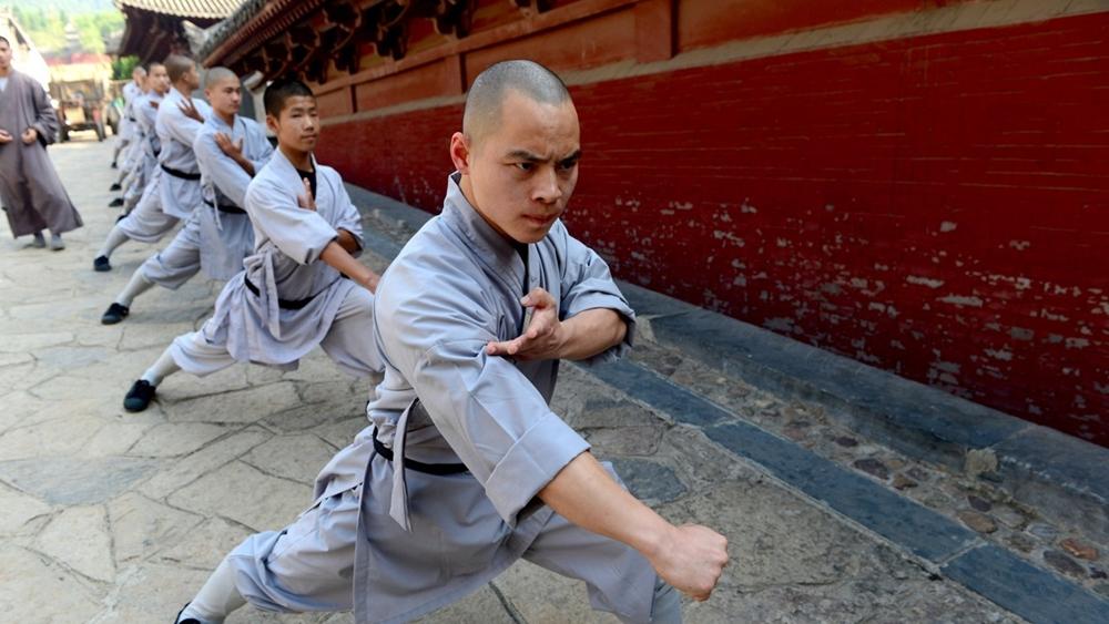 Môn phái Thiếu Lâm Tự tập võ.