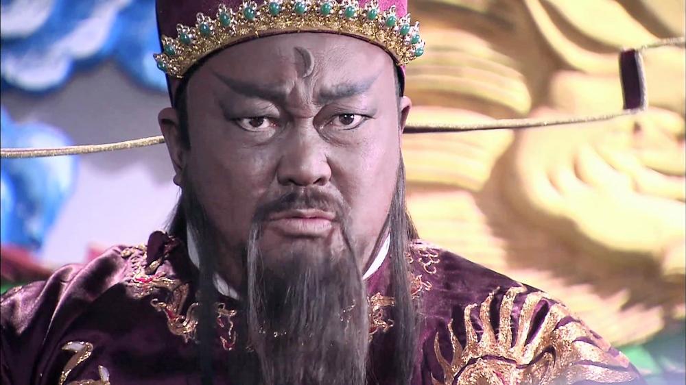Nhắc đến Bao Thanh Thiên là nhắc đến vị quan mặt sắt đen sì, mà lòng sáng như gương, thanh liêm chính trực, chí công vô tư