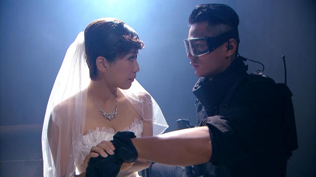Trong phim, khán giả còn được chứng kiến mối tình đẹp giữa hai thành viên của đội là Du Học Lễ và Tô Văn Cường.