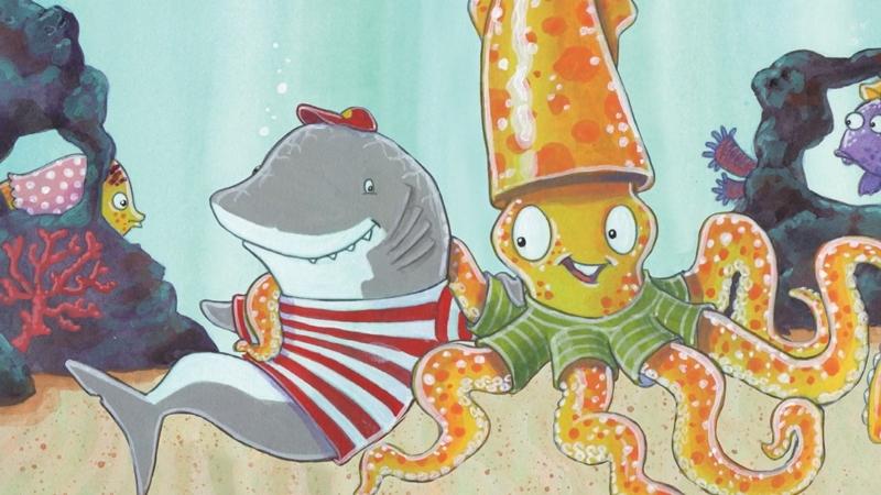Chú cá mập Clark chơi cùng người bạn mới đến.
