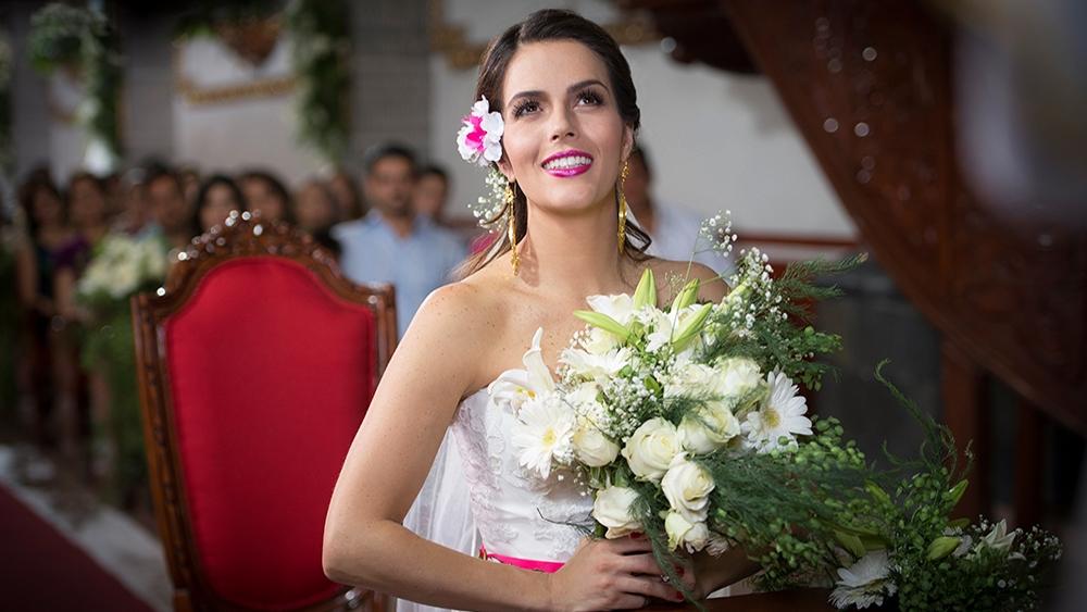 Maria xinh đẹp trong ngày cưới