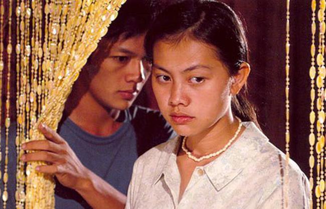 Mai là cô gái trẻ trung, rời bỏ làng quê vào Sài Gòn với niềm hy vọng học được nghề may.